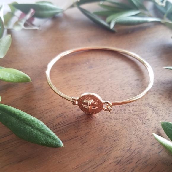 NEW Marc Jacobs Rose Gold Turnlock Bracelet Bangle